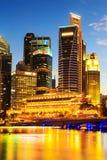 Paysage urbain de Singapour la nuit, Singapour - 17 janvier 2015 Photo stock