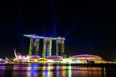 Paysage urbain de Singapour la nuit, Singapour - 17 janvier 2015 Photographie stock