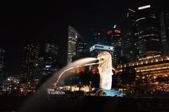 Paysage urbain de Singapour Merlion Photographie stock