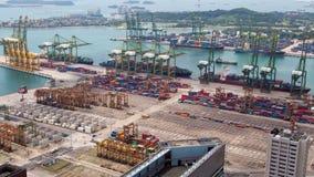 Paysage urbain de Singapour de temps-faute de logistique de port de récipient Casserole  clips vidéos