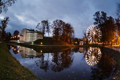 Paysage urbain de soirée de Kaliningrad Photos libres de droits