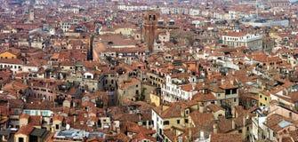 Paysage urbain de Venise vu de la tour de cloche dans la place du ` s de St Mark Images libres de droits