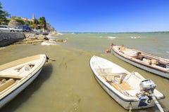 Paysage urbain de village touristique de Porec à la Mer Adriatique photo stock