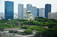 Paysage urbain de vue aérienne de ville d'Osaka à environ le château d'Osaka Image libre de droits
