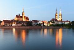 Paysage urbain de Wroclaw avec l'église de la croix et du St saints Bartholo images libres de droits