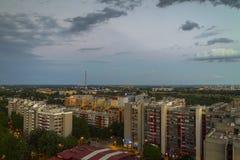 Paysage urbain de Zagreb au coucher du soleil Images libres de droits