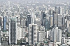 Paysage urbain des bâtiments modernes de ville de Bangkok photos libres de droits