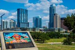 Paysage urbain du centre tranquille d'Austin Skyline coloré Image libre de droits