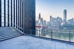 Paysage urbain et horizon de Chongqing de plancher vide de brique Image libre de droits