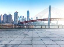 Paysage urbain et horizon de Chongqing de plancher vide de brique Photos stock