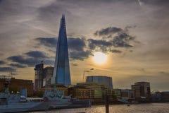 Paysage urbain et tesson de Londres au coucher du soleil HDR Photos stock