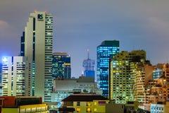 Paysage urbain la belle nuit Photo stock