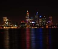 Paysage urbain la nuit Images libres de droits