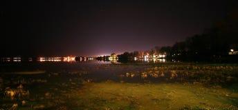Paysage urbain la nuit Photographie stock libre de droits