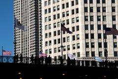 Paysage urbain moderne et vieux de Chicago du centre de bâtiments images stock