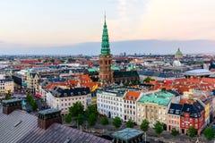 Paysage urbain panoramique d'horizon de Copenhague images libres de droits