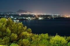 Paysage urbain panoramique de nuit de Terrasini Image libre de droits