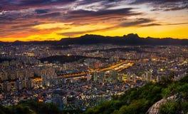 Paysage urbain par vue de nuit Photo libre de droits
