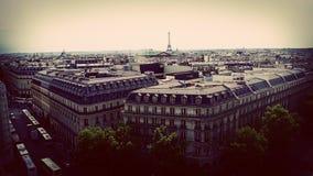 Paysage urbain parisien dans des tons amortis Images stock