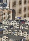 Paysage urbain un jour ensoleillé dans Dalain, province de Liaoning, Chine photographie stock libre de droits