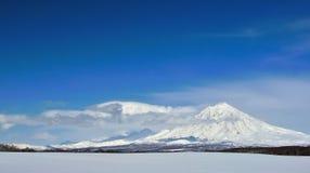Paysage volcanique de bel hiver Photo stock