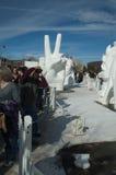 A paz assina dentro a neve e o gelo. Foto de Stock Royalty Free