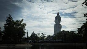 Paz Buda en el templo tailandés Imágenes de archivo libres de regalías