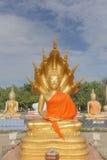 Paz Buda en el templo tailandés Fotos de archivo