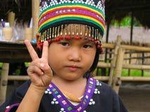 Paz de deseo del niño de la tribu de la colina Imagenes de archivo