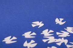 Paz de los juguetes de los animales de las palomas Imagen de archivo libre de regalías