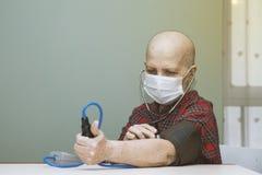 Paziente di perdita di capelli dopo chemioterapia Immagine Stock Libera da Diritti