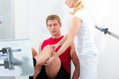 Paziente a fisioterapia Fotografie Stock