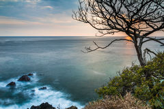 Pazifikküste von Costa Rica bei Sonnenuntergang Stockbilder