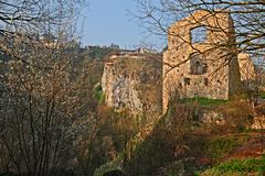 Pazin Istria, Kroatien: landskapet med fördärvar av ett forntida byggande Royaltyfri Foto