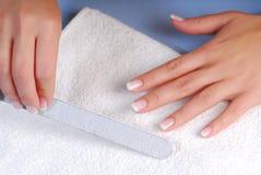 paznokieć przybija salon piękności zdjęcie royalty free