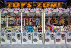 Pazur maszyny na zabawa jarmarku Zdjęcia Stock