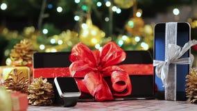 PC ταμπλετών, smartphone και smartwatch για τα Χριστούγεννα απόθεμα βίντεο