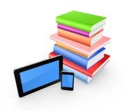 PC colorida de los libros, del teléfono móvil y de la tableta. Imagen de archivo libre de regalías