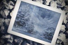 PC da tabuleta que mostra a imagem da estrada Foto de Stock Royalty Free