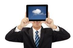PC de sourire de tablette de fixation d'homme d'affaires Photographie stock libre de droits