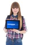 Pc della compressa della tenuta dell'adolescente con lo schermo di caricamento isolato su w Fotografie Stock Libere da Diritti