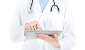 PC do doutor Working Com Digital Tabuleta foto de stock