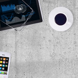 PC, smartphone e tazza di caffè della compressa Immagine Stock Libera da Diritti