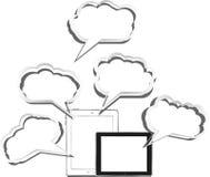 PC van de tablet die met abstracte wolk wordt geplaatst Stock Foto's