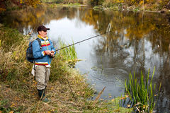Pêcheur avec la rotation. Image libre de droits