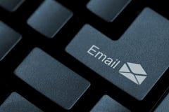Pchnięcie guzik dla emaila Fotografia Royalty Free