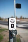 Pchnięcie guzika Crosswalk Fotografia Stock