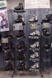 Pcteres de ruedas en la tienda Imagenes de archivo