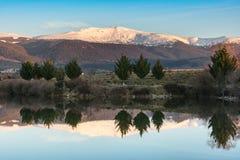 Peñalara山在瓜达拉马山脉的在塞戈维亚西班牙 库存照片