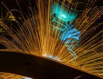 Peça automotivo industrial do movimento do homem da soldadura Imagem de Stock Royalty Free